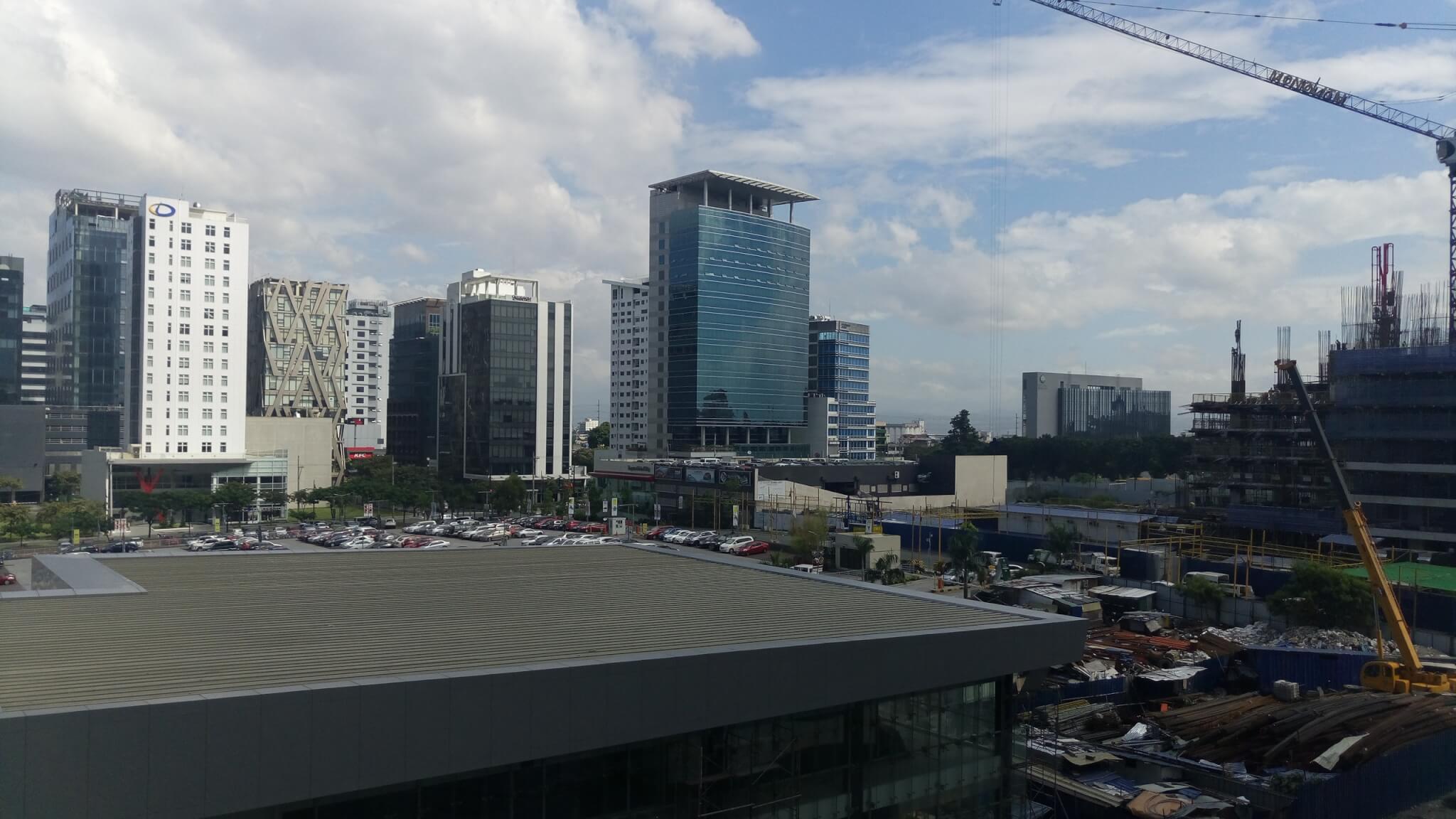 マニラの大きなビル